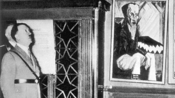 Adolf-Hitler-visitando la muestra de %22Arte Degenerado%22
